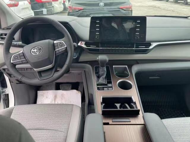 车在线提供厦门汽车报价,丰田 塞纳 2021款 墨规版 3.5L 两驱 XLE真皮报价,多少钱